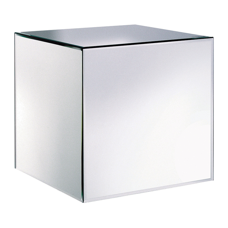 This Sleek Mirrored Cube Side Table Looks Stunning In Any Bar Or Seating  Area. Itu0027s The Perfect Complement To Our Black Velvet Chesterfield Seating