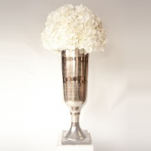 http://www.hireandstyle.com/wp-content/uploads/2013/11/Table-Centres_Vases-Bowls-218x218.jpg